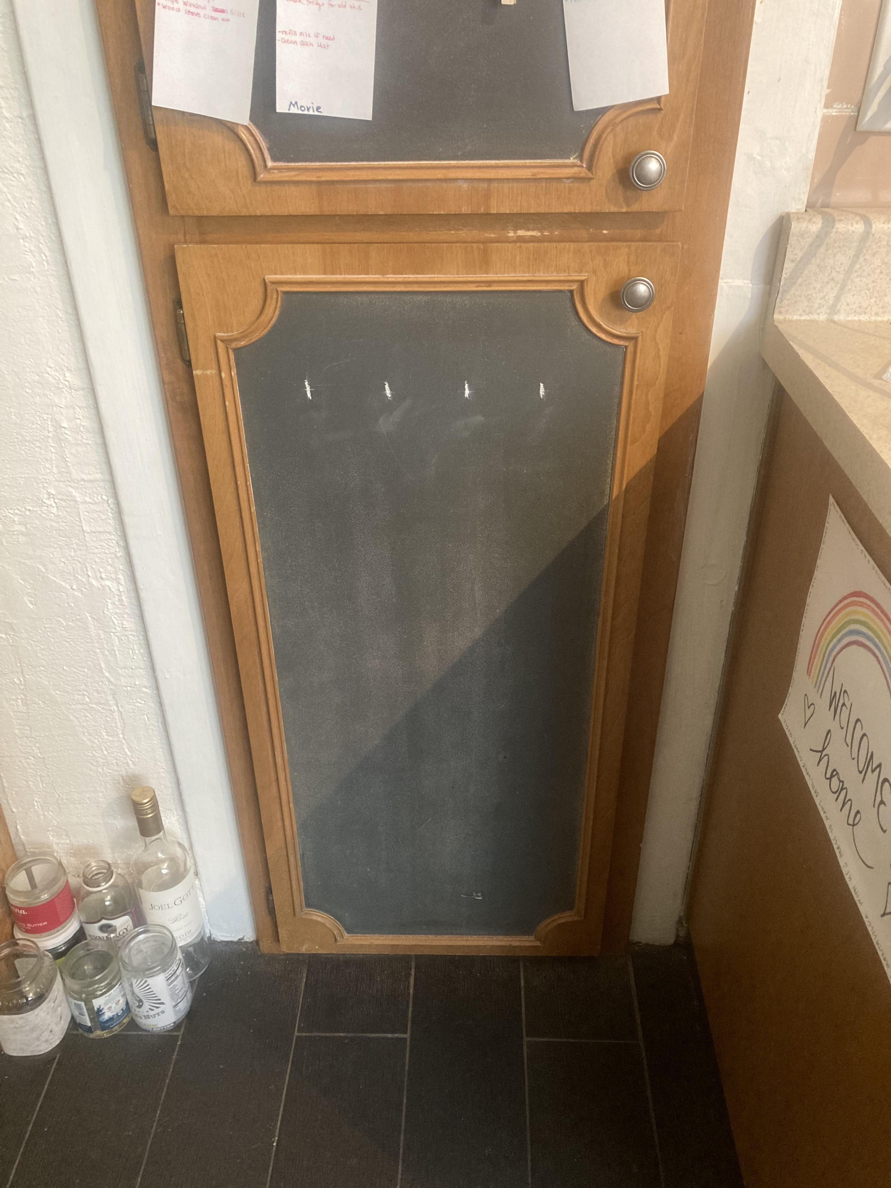 cabinet closed.jpg