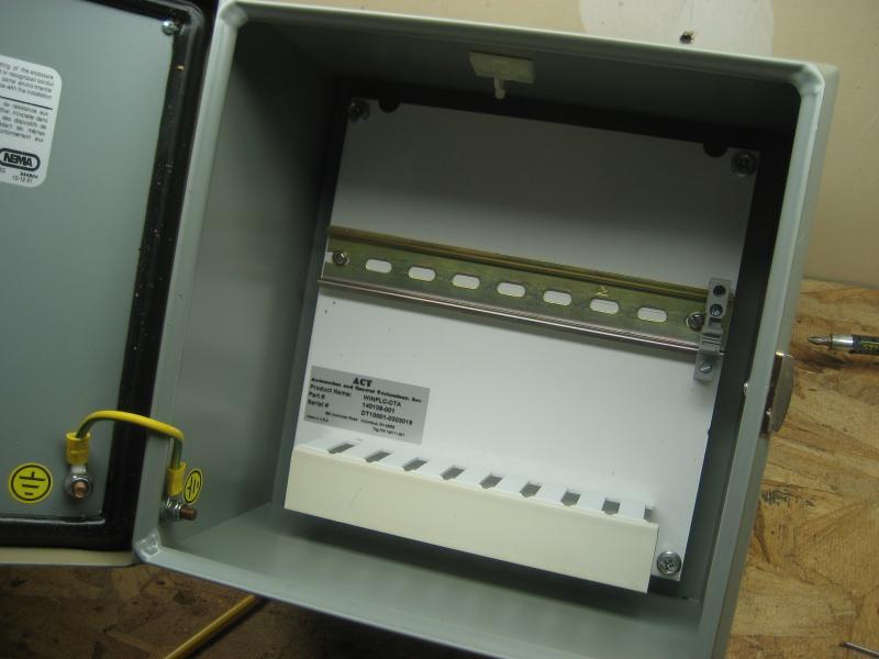 Controll Box 002.jpg