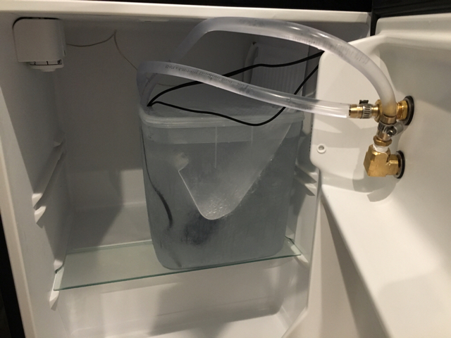 Metzen's Mini Fridge Glycol Chiller Conversion