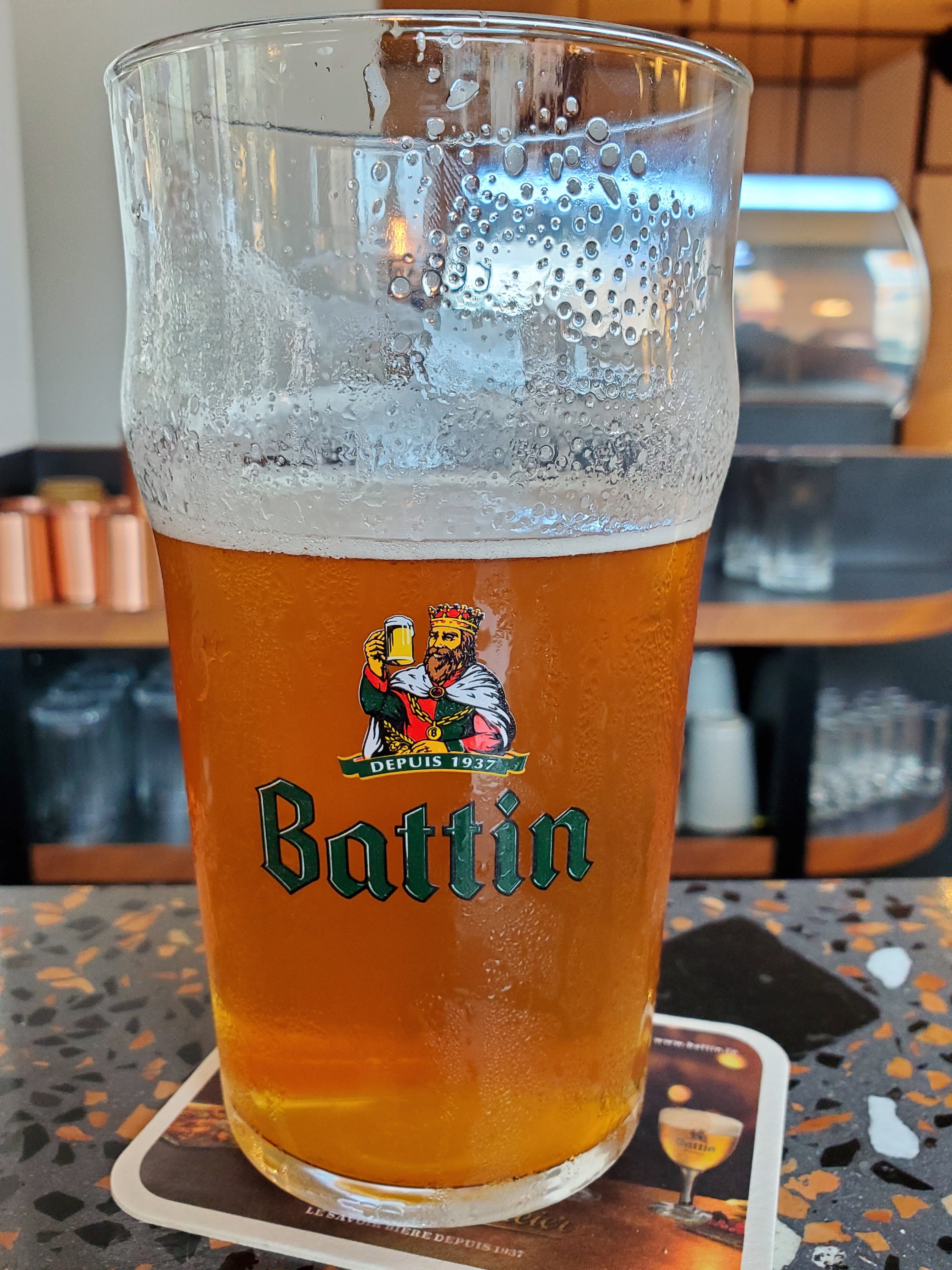 Luxembourg City Twisted Cat Mango Infused Pale Ale.jpg