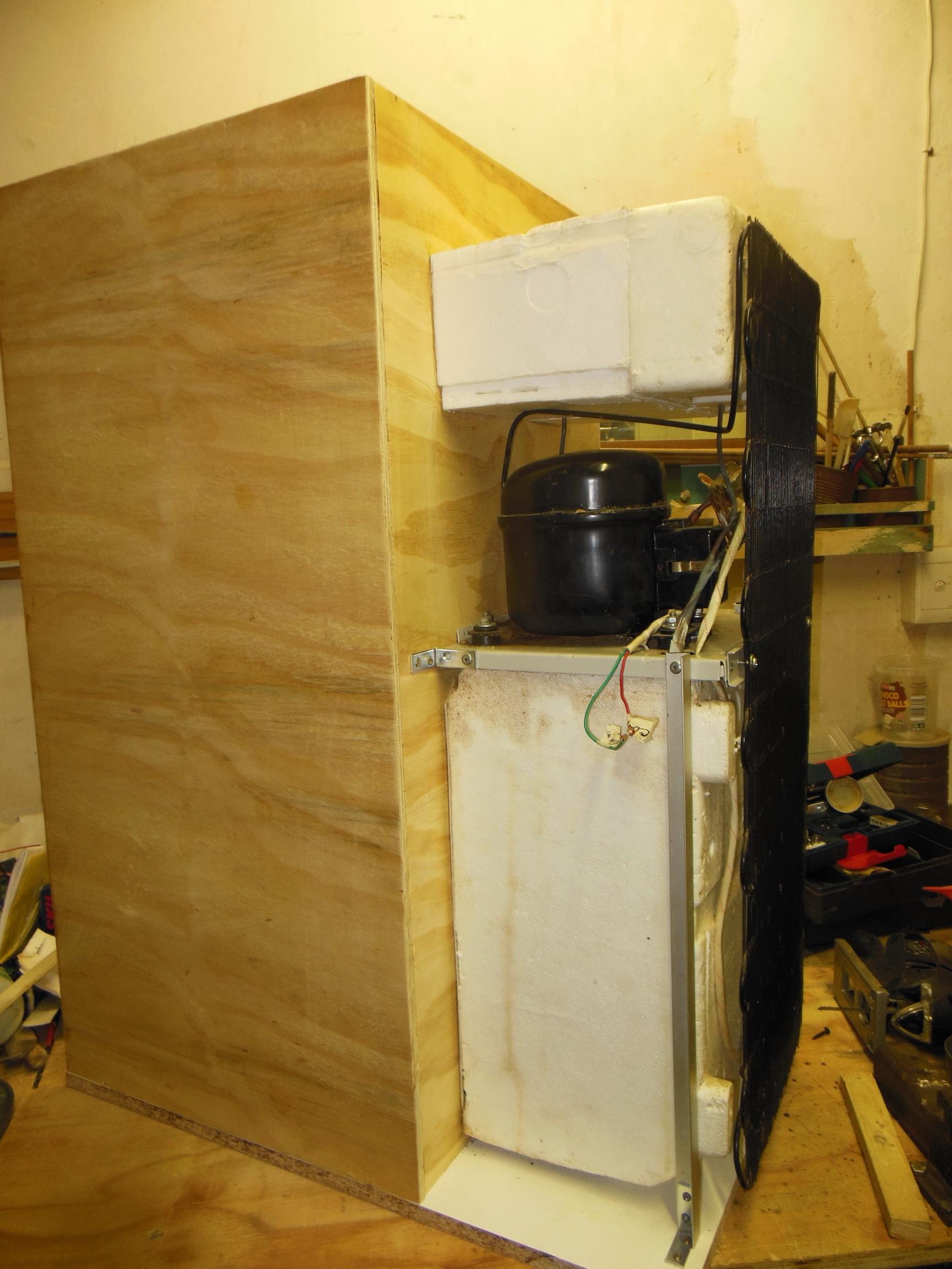 mounted_compressor_chiller_left.jpg
