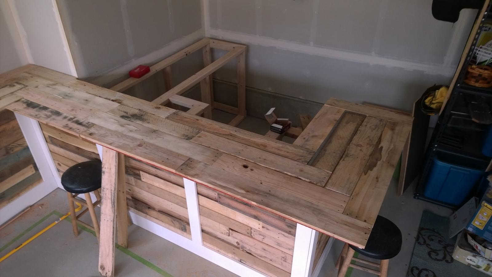 Alfa img - Showing > Build a Bar with Pallets